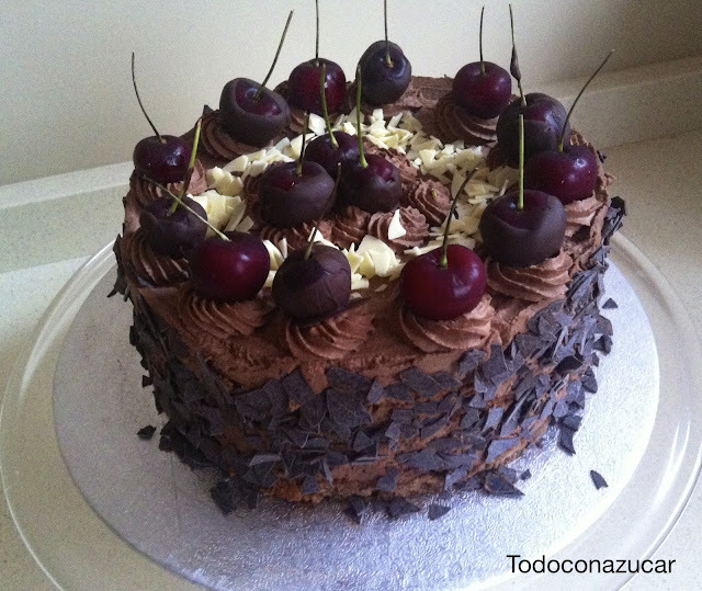 TARTA DE CEREZAS Y CHOCOLATE
