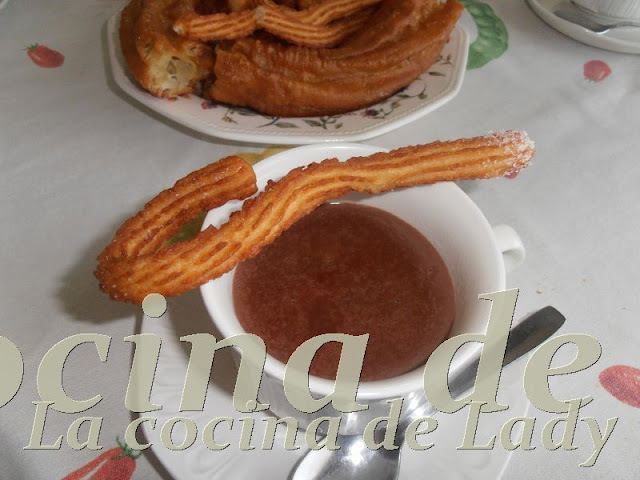 CHOCOLATE A LA TAZA (CON CHURROS) THERMOMIX
