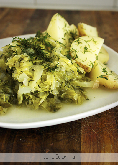 MŁODA KAPUSTA Z KOPERKIEM  YOUNG CABBAGE WITH DILL