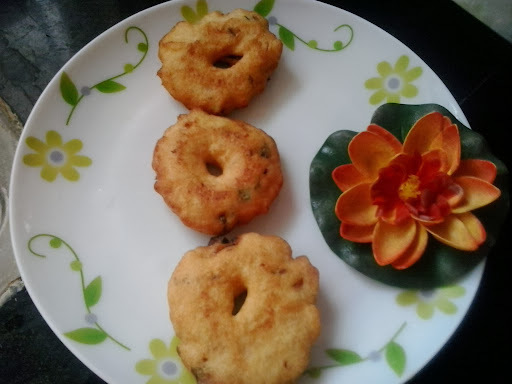 Medu vada recipe| how to make soft crispy ulundu vadai| urad dal wada