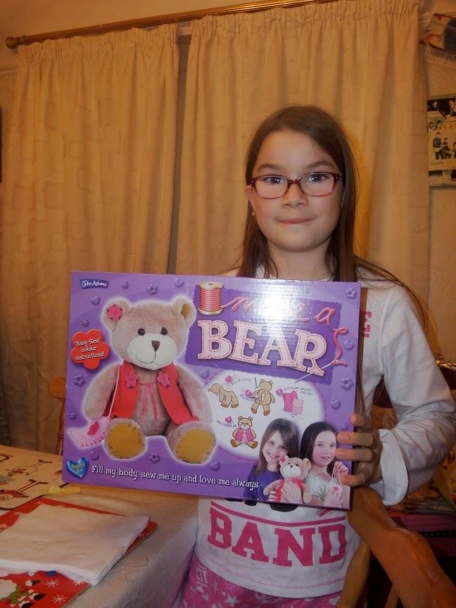 Juliette was very proud to Make A Bear ! (review)