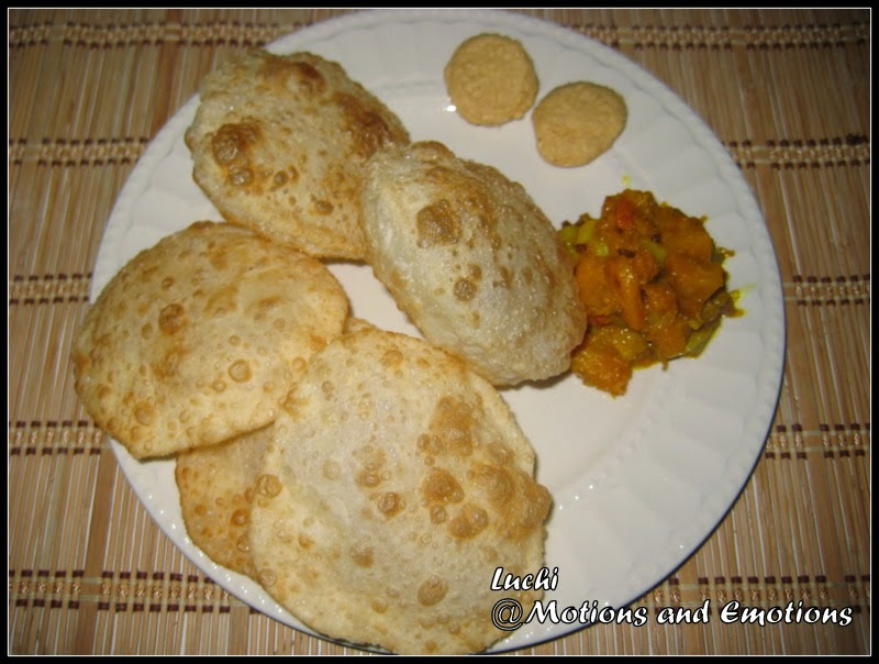 Luchi / Bengali style Deep fried Flatbread / Maida Poori