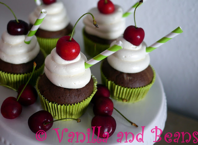 "Sundae Cupcakes ""Cherries & Chocolate"" *vegan*"