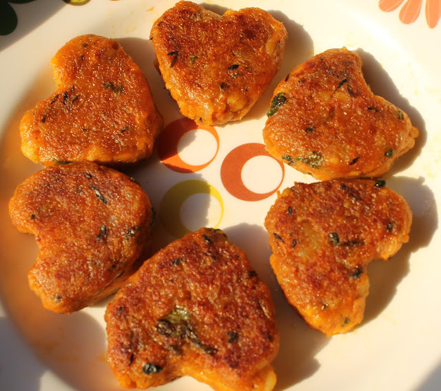Carrot Paneer Tikki/Toast (Heart Toasts)