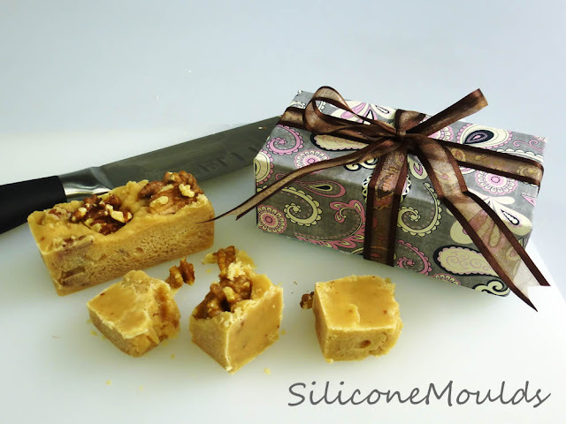 Maple and Walnut Fudge - It's Quick and Easy !