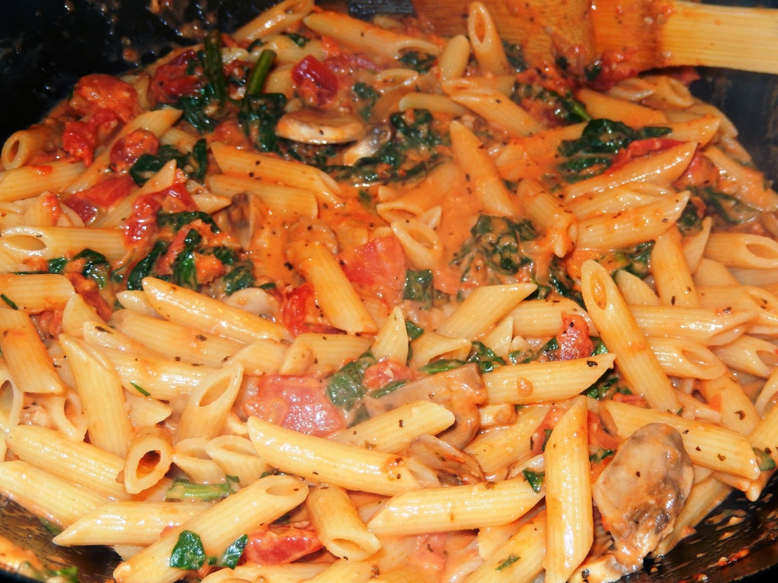 Pasta with Tomato Cream Sauce and Spinach ~ Fresh and Fast