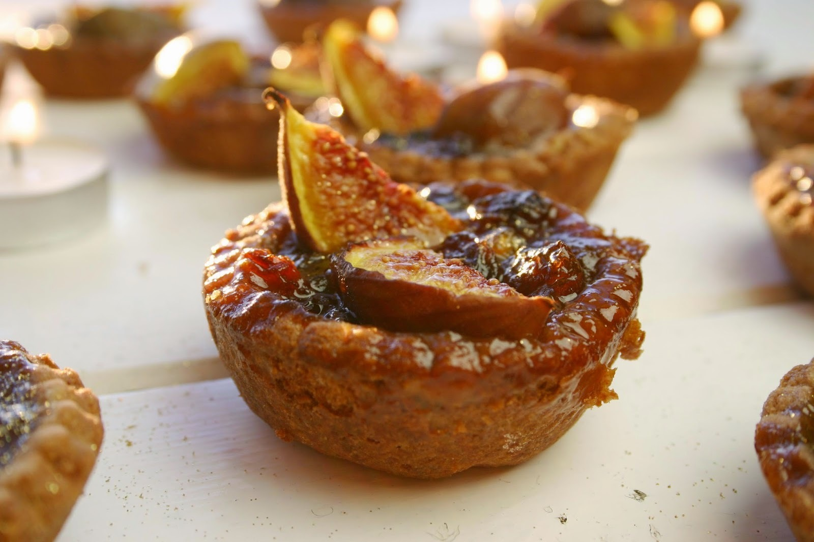 fig and honey mince pies with chocolate shortcrust pastry