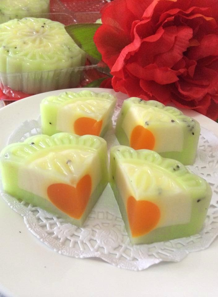 ~~  Kiwi Yoghurt And Cheese Jelly Moom cakes   ~~       奇异果乳酸&芝士燕菜椰奶