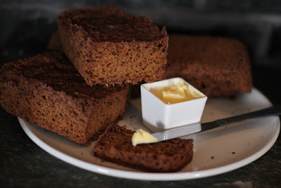 Pumpernickel brød