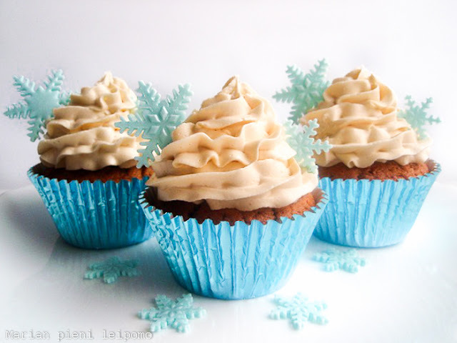 Piparkakkumuffinit toffeekuorrutteella / gingerbread cupcakes with toffee buttercream