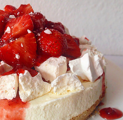 eton mess cheesecake.