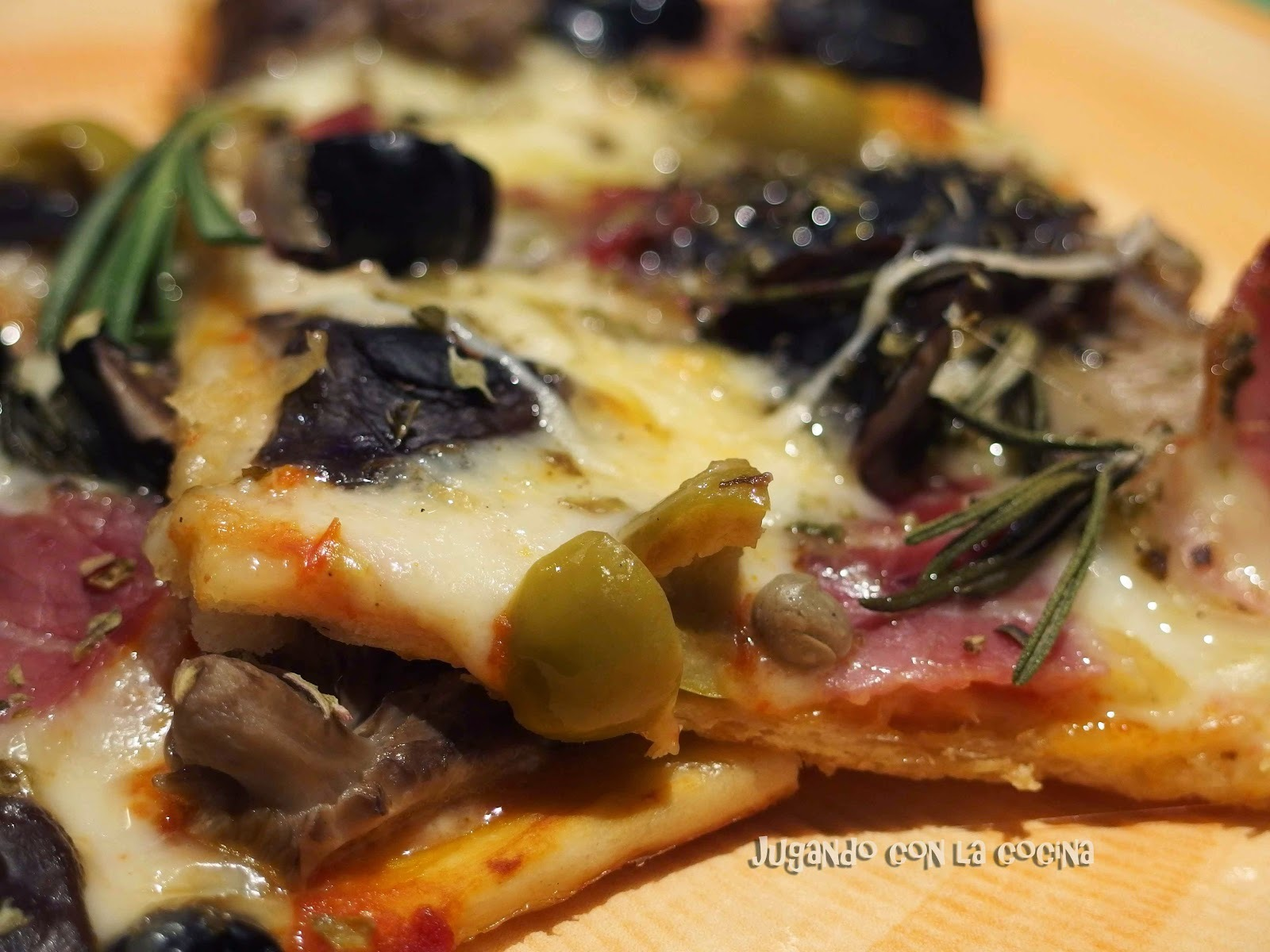 Pizza catalana con setas y bacon - Thermomix y tradicional