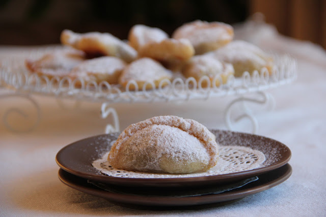 Ghottaab - Walnut and Almond Crescents - قطاب