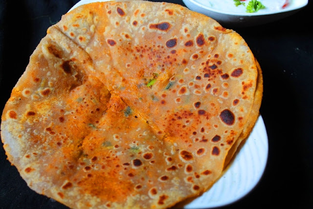 Carrot Stuffed Paratha Recipe / Gajar Ka Paratha Recipe