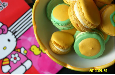 Lemon macarons in two tone….cute & sweet in one bite