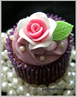 Blackberry Vanilla Cupcakes .....