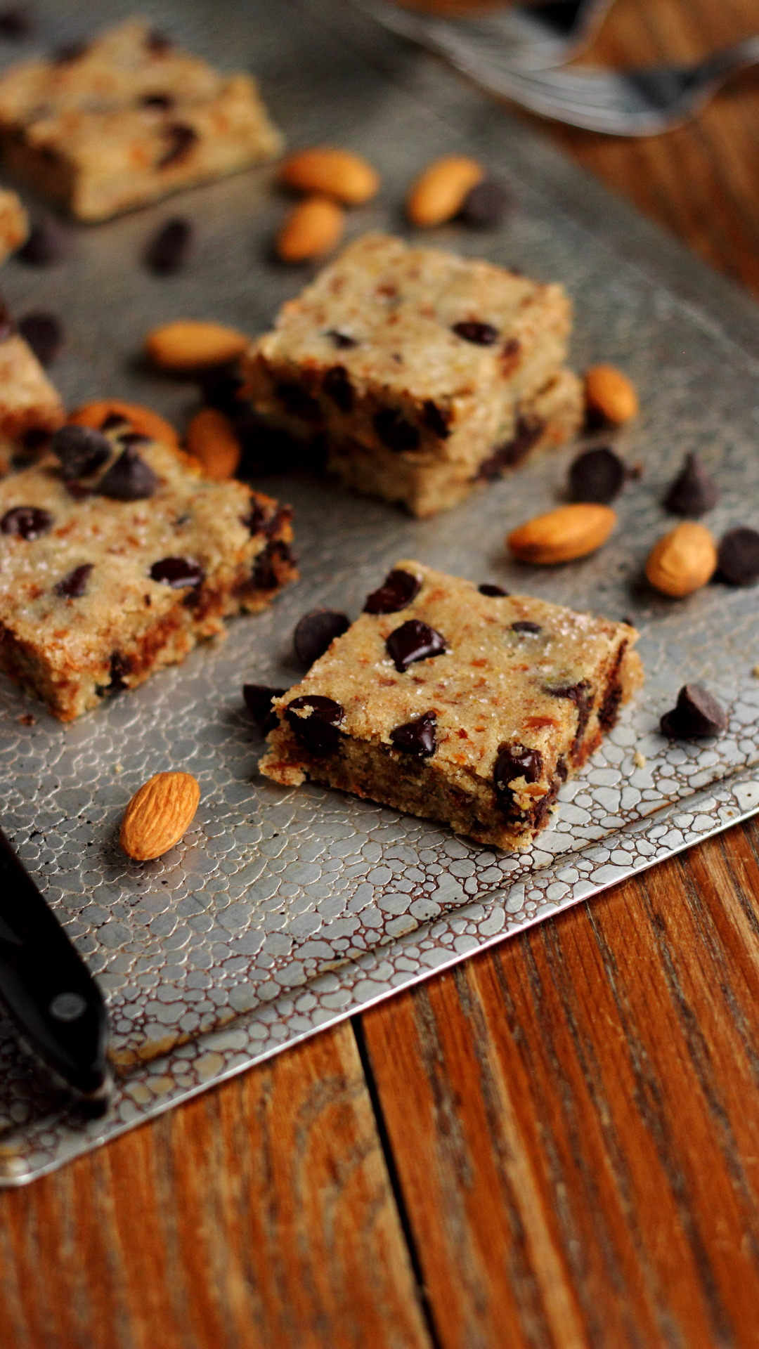 ridiculously easy chocolate chip blondies. (what to do with #almondpulp!)
