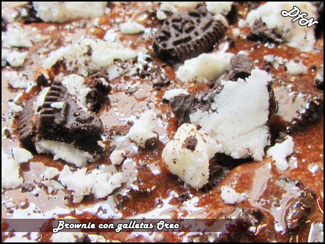 Brownie con Galletas Oreo By Lorraine Pascale
