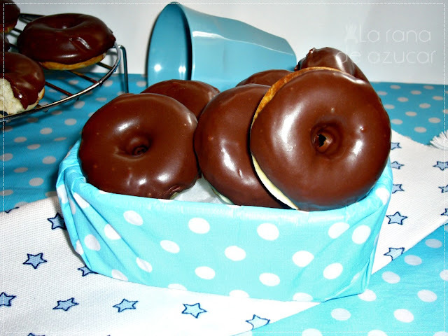 """Donuts"" de chocolate minis"