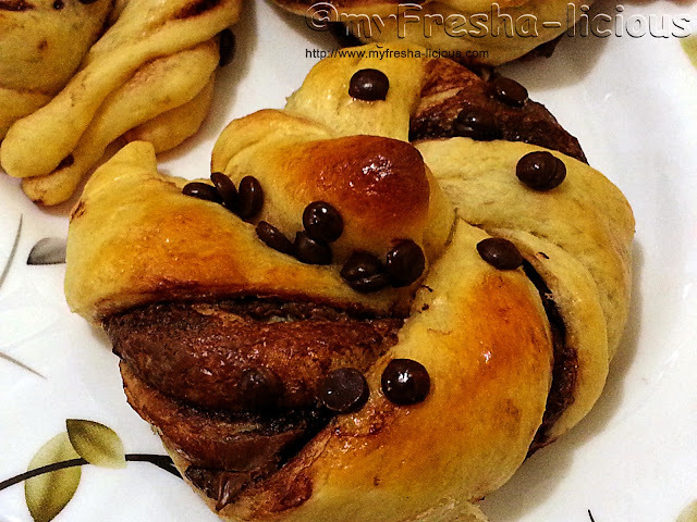 Nutella Chocolate Chips Bread twist