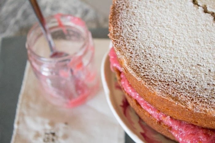 Victoria Sponge with Rhubarb and Vanilla Compote