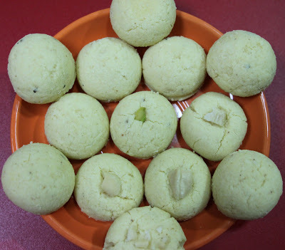 Nankhatai (Indian Cookies Recipe)