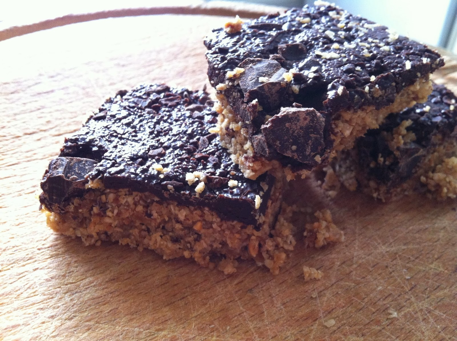 'Healthy' Oat, Cinnamon and Peanut Butter Bars