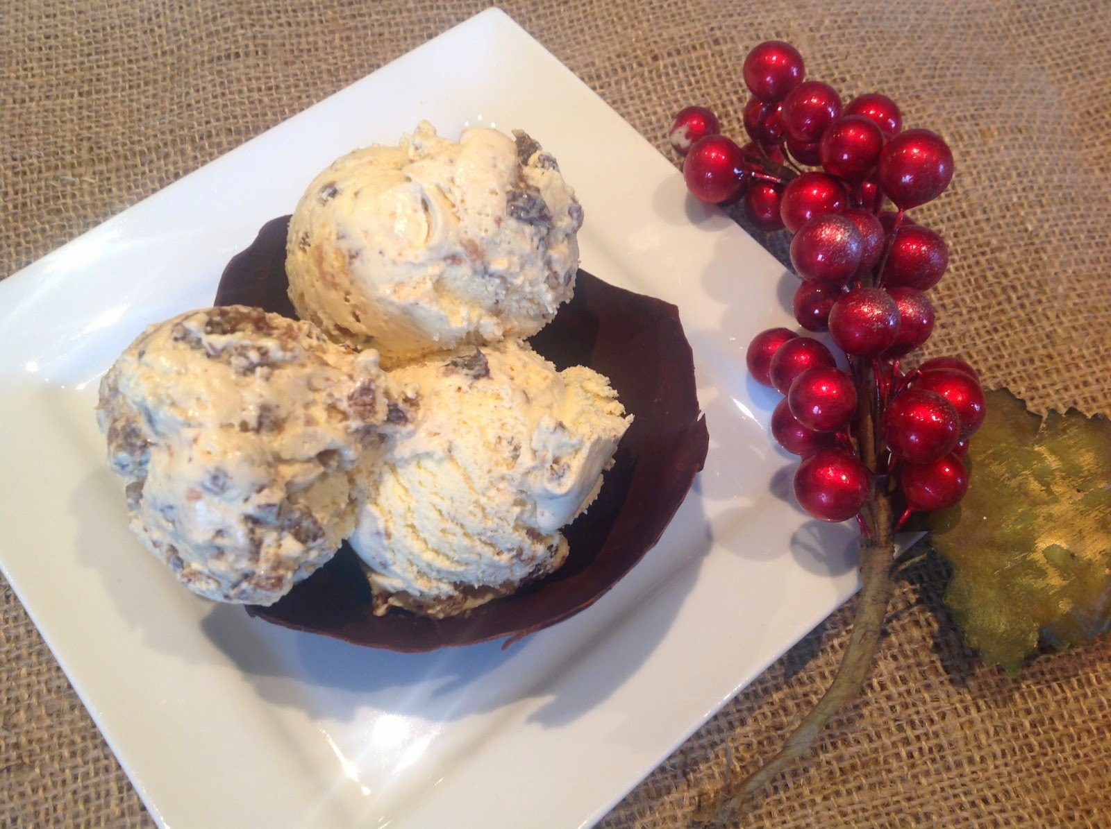 Christmas Pudding Ice Cream in chocolate bowls