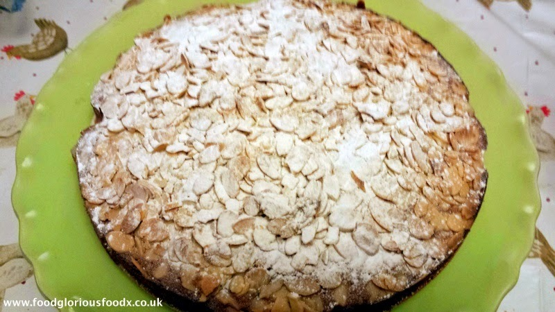Cinnamon and Almond Cake