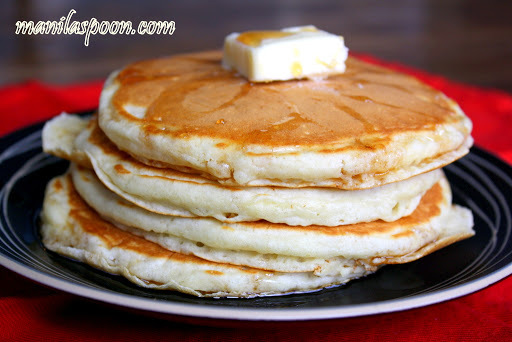 Easy Homemade Fluffy Pancakes