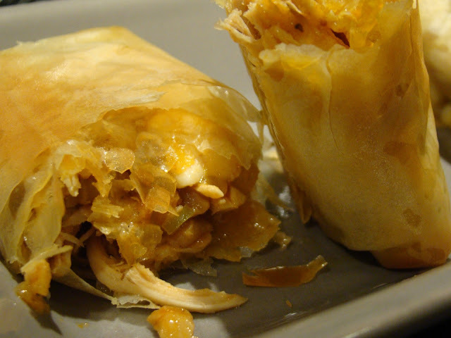 Crepes de Massa Filó recheados com Frango e Legumes / Filo Crepes Stuffed with Chicken and Vegetables