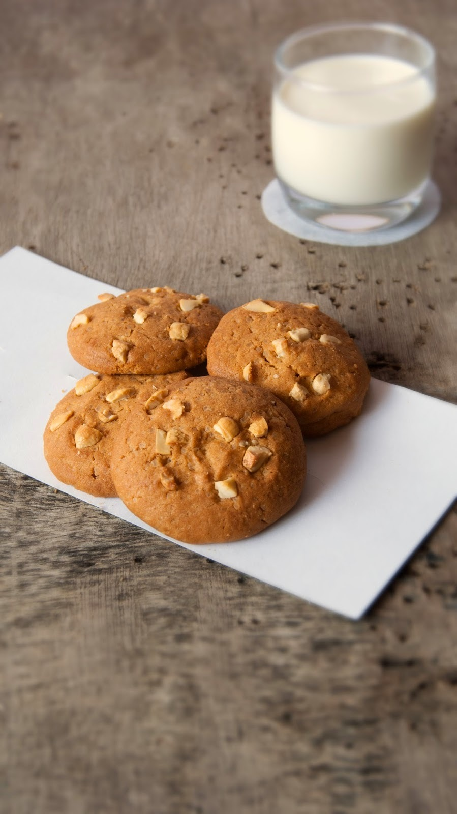 Butterscotch Cookies loaded with Cashew Nuts