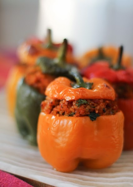 Piperies Yemistes me Pligouri - Bulgur Stuffed Peppers #SundaySupper