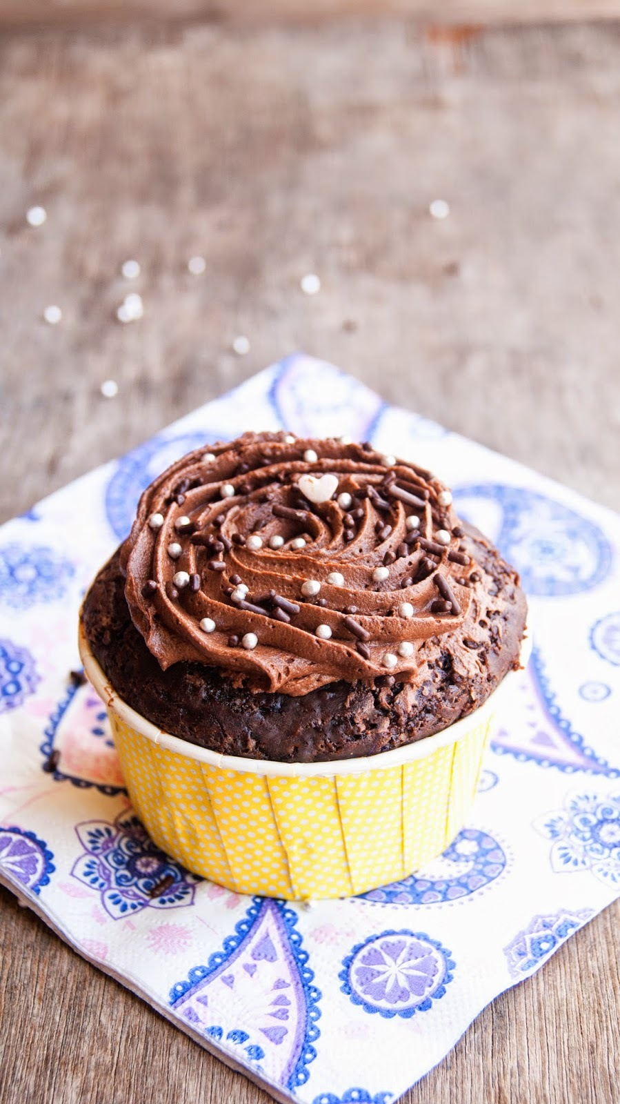 Eggless chocolate cupcake - Single serving