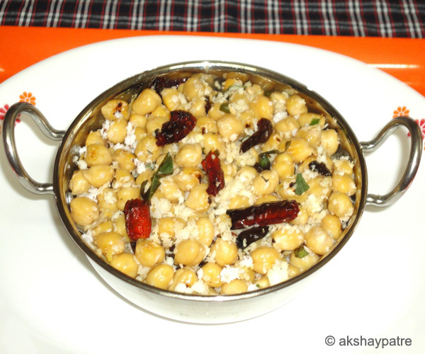 Kabuli chana usli recipe - sundal or guggillu recipe - how to make white chickpea usli