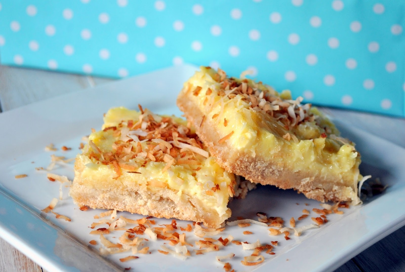 Piña Colada Cookie Bars (Barrinhas de Cookie de Piña Colada)