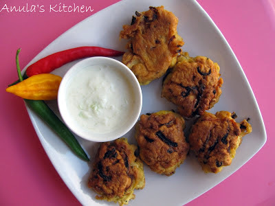 Onion Bhajis with cucumber raita...
