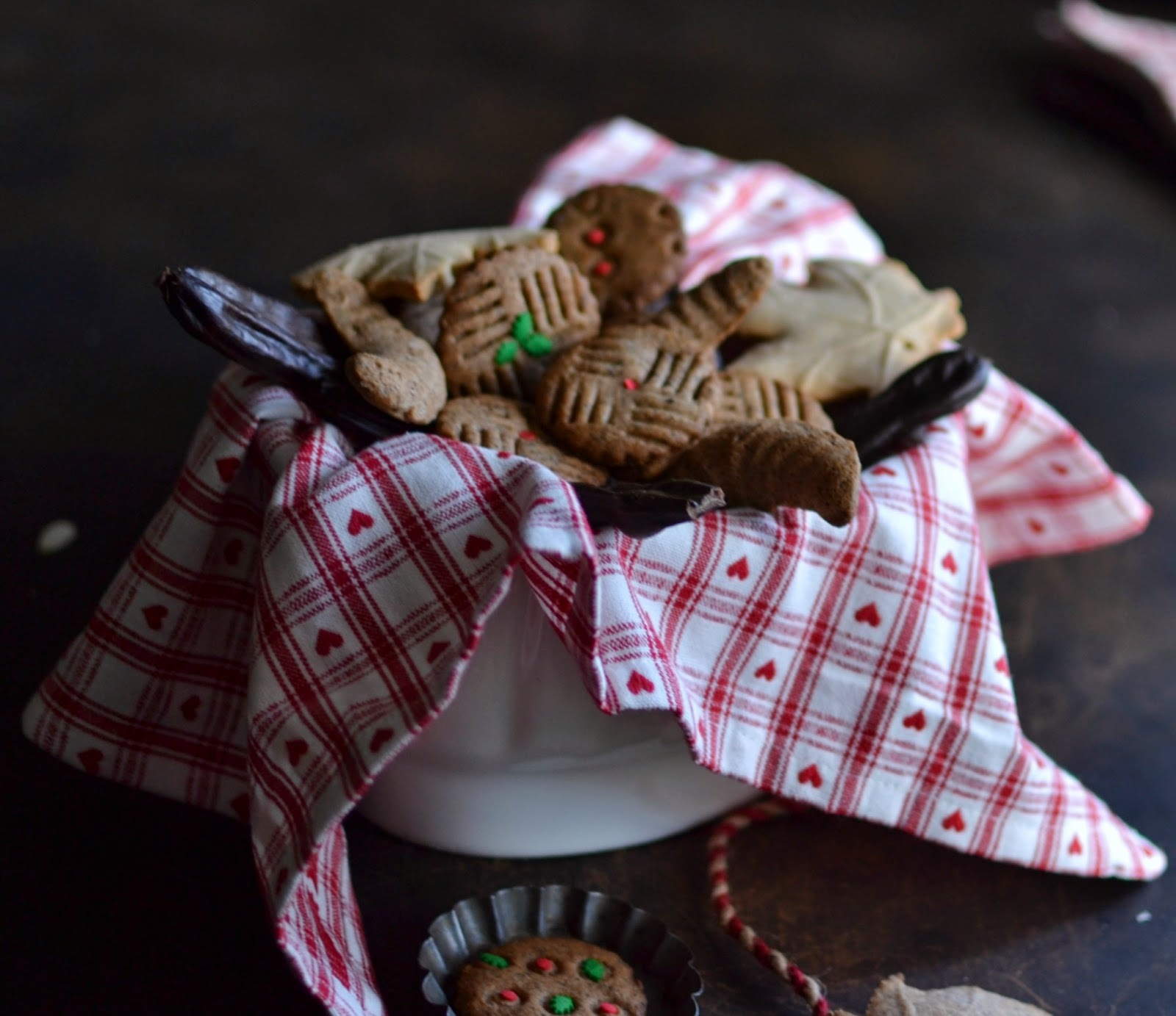 Carob and Quince Jam Cookies