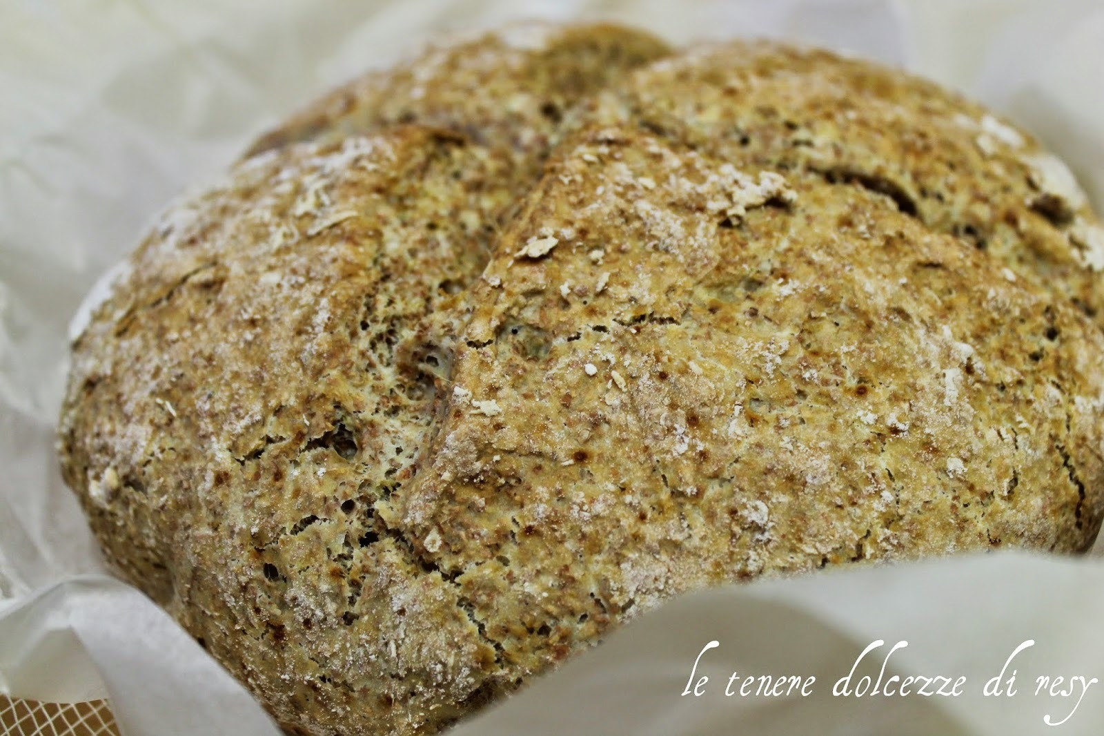 Traditional Irish Brown Soda Bread......ed in nemmeno un'ora si ha del fragrante pane appena sfornato !