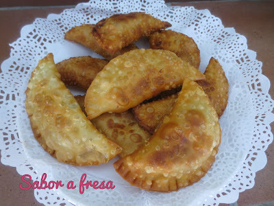 Empanadillas de gorgonzola, pera y nueces