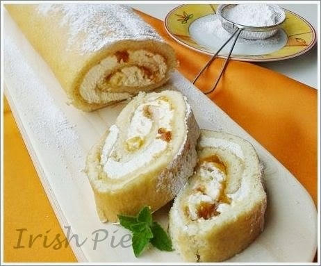 SPONGE ROLL WITH APRICOT CONSERVE / BISKUITROLLE MIT APRIKOSEN MARMELADE