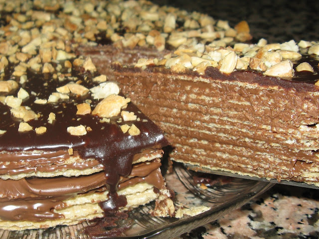 TARTA DE OBLEAS Y CHOCOLATE (HUESITOS)