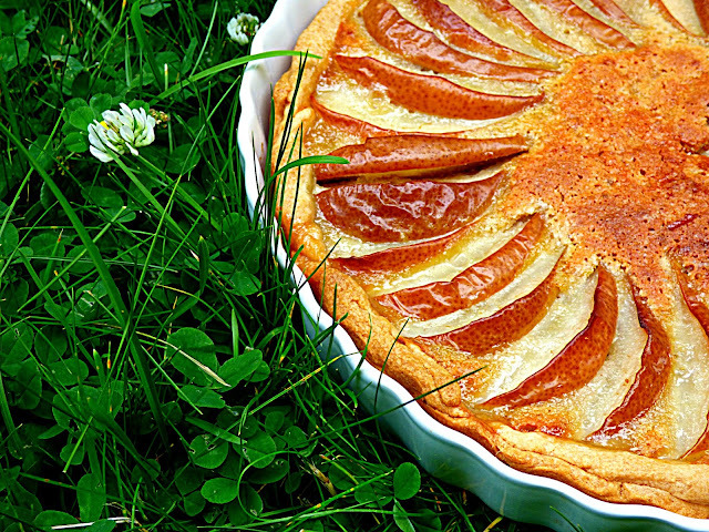 Pear, almond and cinnamon tart (#ReadCookEat)
