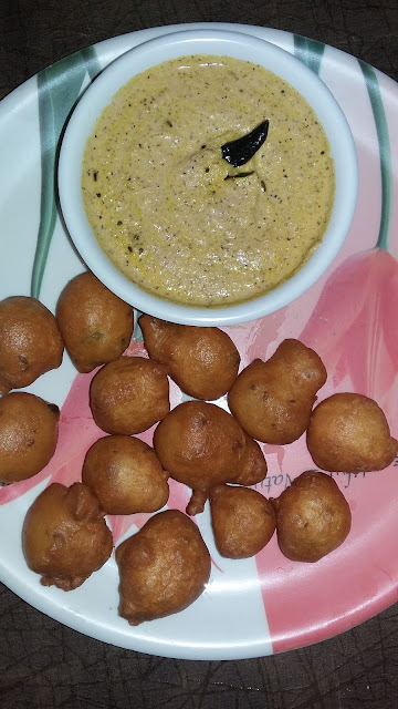 Mysore Bonda-Goli Baje-Ulundu Bonda-Breakfast and Evening Snack Recipe