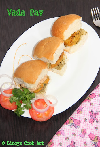 Vada Pav/ Wada Pav/ Indian Burger/ Vada Paav