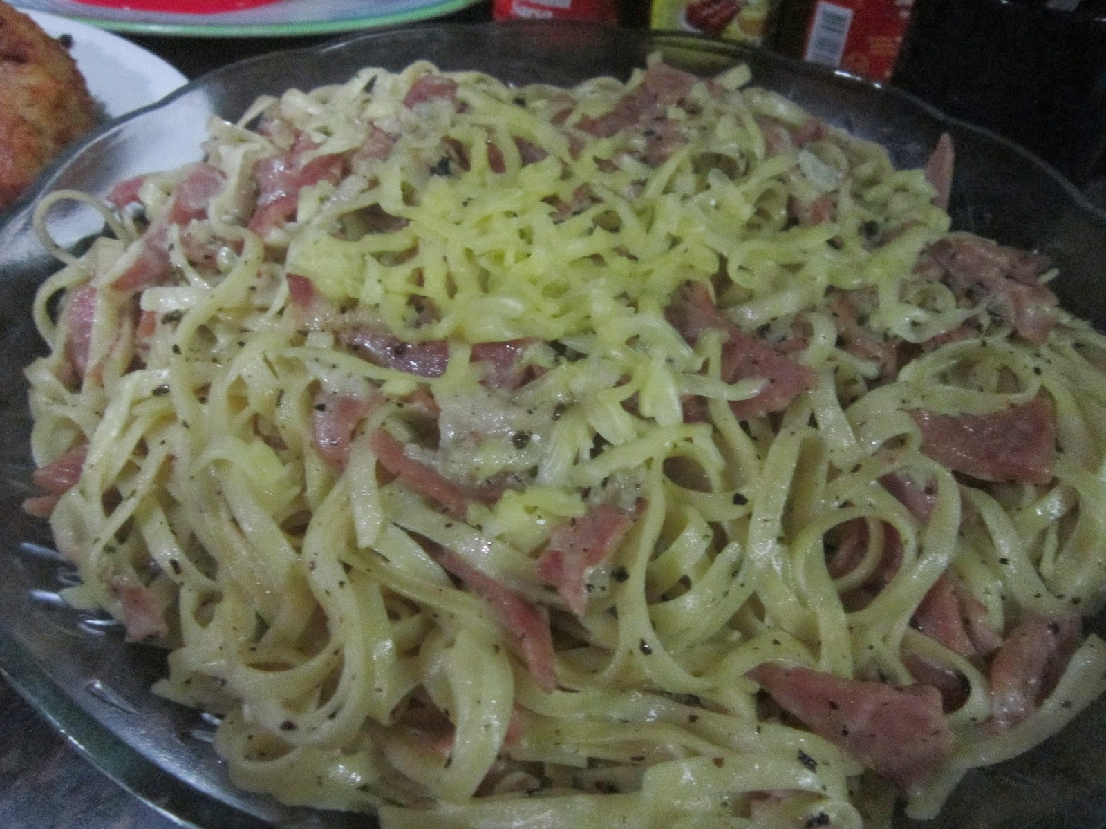 LINGUINE PASTA with CREAMY BASIL and HAM SAUCE