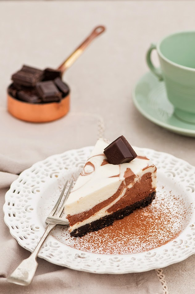 Cheesecake de Chocolate Blanco y Negro (sin hornear)