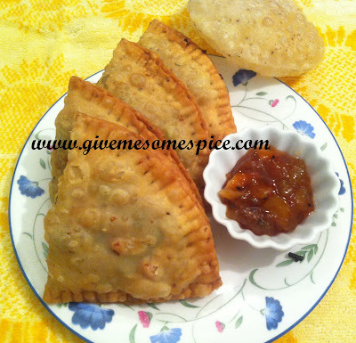 Punjabi Samosas – To fry or not to fry?