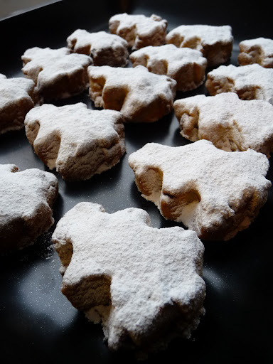 Kourampiedes (Traditional Greek Christmas sweets)