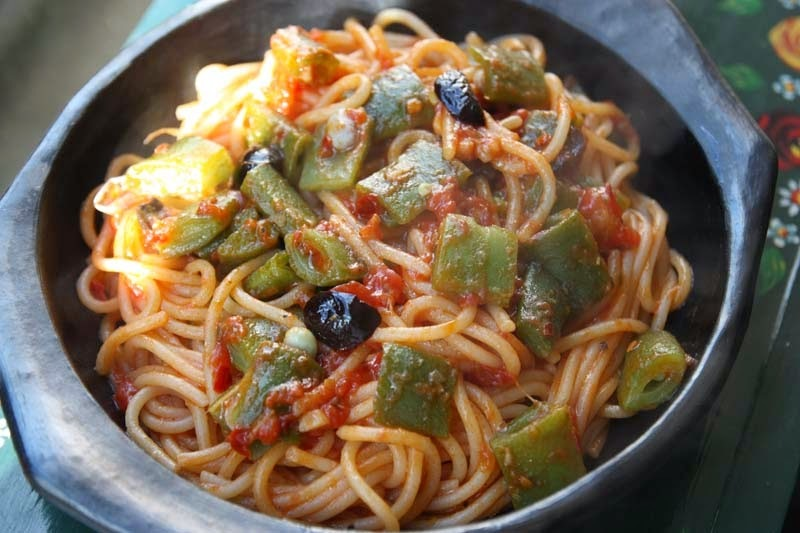 Spicy Tomato - Runner Beans with Pasta